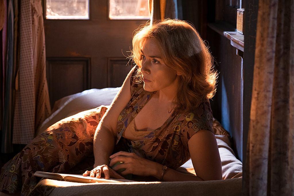 Kate Winslet w filmie 'Na karuzeli życia'