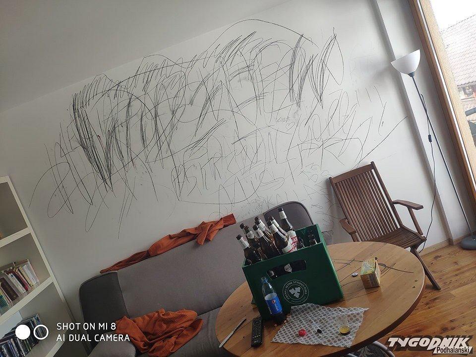 Zniszczone ściany w apartamencie w Zakopanem (fot. Tygodnik Podhalański)