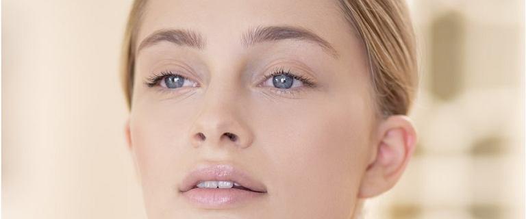 Skuteczne kosmetyki przeciwzmarszczkowe nie muszą być drogie! Top 18 kremów do 30 zł, które wygładzą i nawilżą skórę
