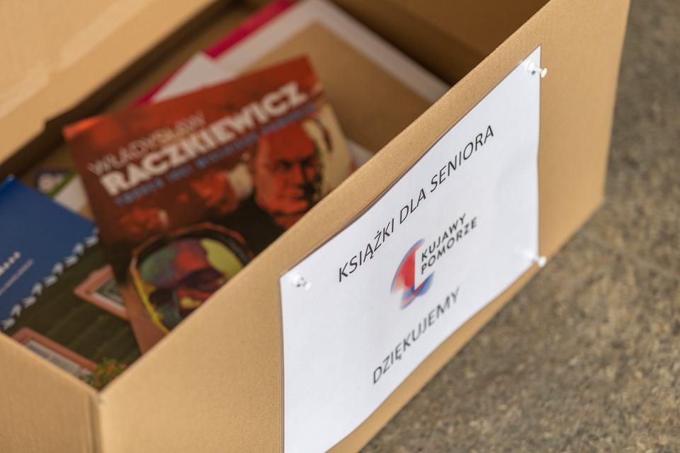 Specjalnie oznakowane kartony znajdują się m.in. przed gmachem Urzędu Marszałkowskiego w Toruniu