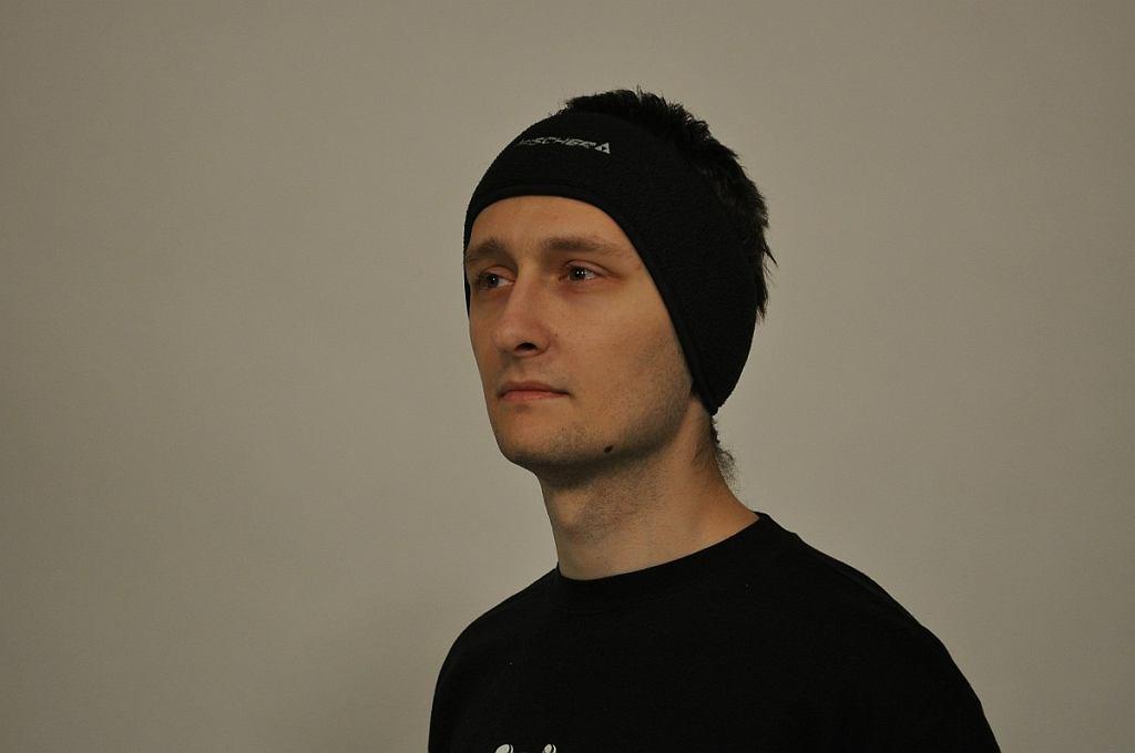 Opaska na głowę częściej jest wykorzystywana przez biegaczy niż przez cyklistów.