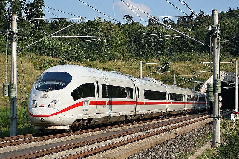 Pociąg Deutsche Bahn (zdjęcie ilustracyjne)