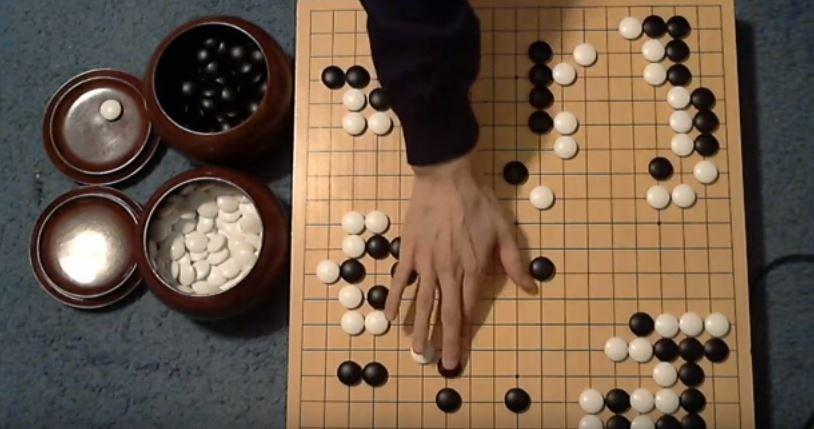 Algorytmy Google pokonały człowieka w grze trudniejszej niż szachy