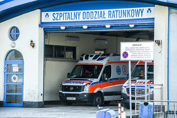 Kowalski, wzywając pogotowie, oczekuje ratowników medycznych, a nie strażaków