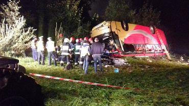 Wypadek na zakręcie śmierci w Leszczawie Dolnej