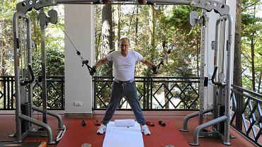 Władimir Putin podczas ćwiczeń na siłowni
