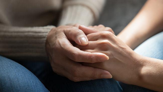 Żałoba - naturalny proces, który wymaga empatii