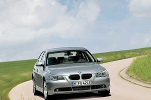 Kupujemy używane: Mercedes E W211 vs. BMW serii 5 E60. Warto się skusić niską ceną?