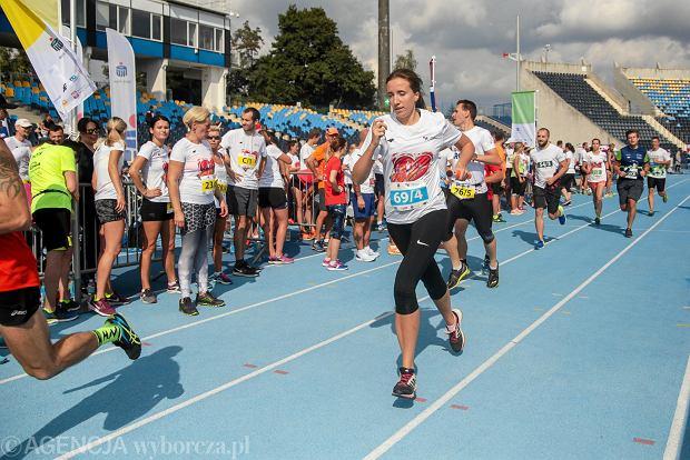 Zdjęcie numer 48 w galerii - PKO Bieg Charytatywny. Na Zawiszy pomagali biegając [ZDJĘCIA]