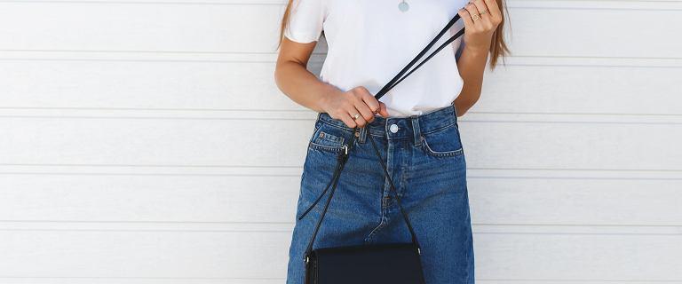 Spódnica jeansowa - dla kogo i do czego? Najmodniejsze fasony i propozycje stylizacji
