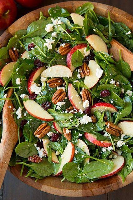 Do sałatek najlepiej wybierać twarde, lekko kwaskowate jabłka