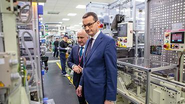 Wizyta premiera Mateusza Morawieckiego w wałbrzyskiej fabryce Toyota Motor Manufacturing Poland.