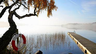 Szwecja - jezioro w rejonie Blekinge / shutterstock