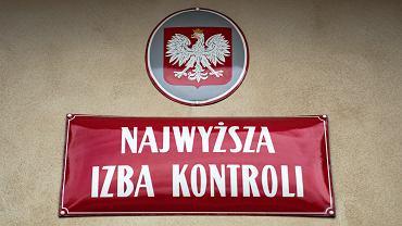 23 mln zł na nagrody w NIK. Pracownicy co miesiąc dostawali ponad 1000 zł dodatku