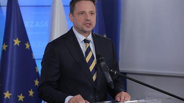 """Komitet Trzaskowskiego złoży protest. """"Kilkaset tysięcy wyborców bez prawa głosu"""""""