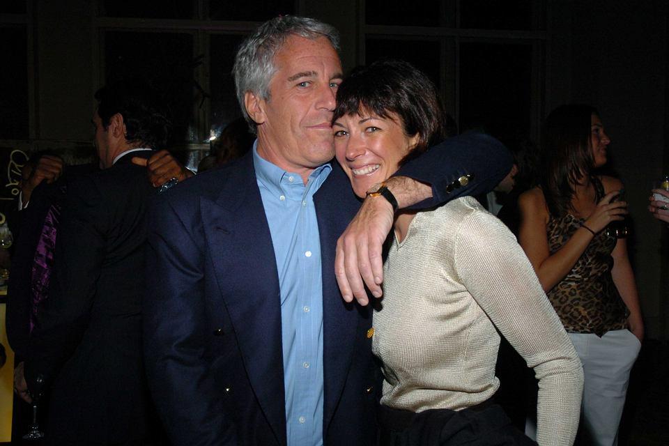 Jeffrey Epstein i jego przyjaciółka Ghislaine Maxwell podczas imprezy charytatywnej, Nowy Jork, 15 marca 2005 r.