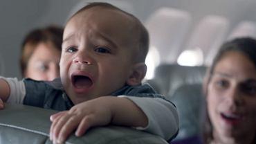Czy linie lotnicze mają jakieś rozwiązania dla pasażerów, którzy nie chcą lecieć z płaczącymi dziećmi?