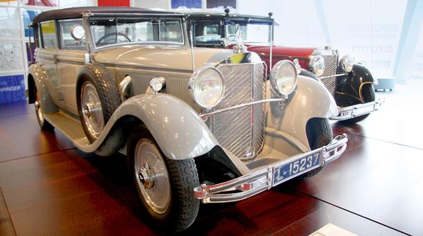 stare auta, muzeum motoryzacji,niemcy, Mercedes-Benz Museum