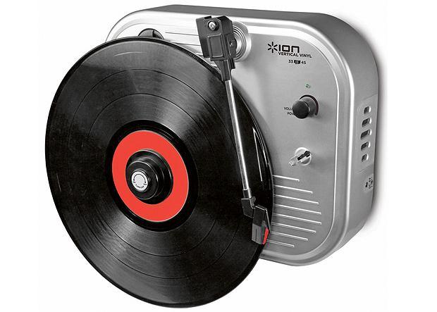 Vertical Vinyl, z wbudowanym głośnikiem, przypina się do ściany.