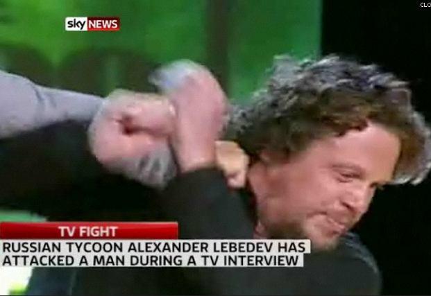 Nowy pomysł na program TV: ''Milionerzy w ringu''.