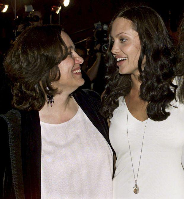 Angelina Jolie, Marcheline Bertrand