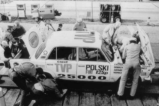 Polski Fiat 125p pobił 3 długodystansowe rekordy prędkości w 1973 r.