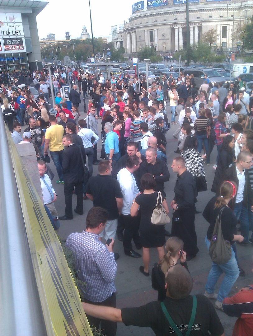 Alarm Bombowy Złote Tarasy Zamknięte Na Trzy Godziny