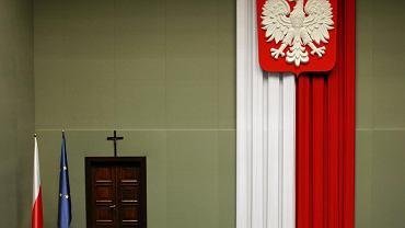 Krzyż w sali plenarnej Sejmu