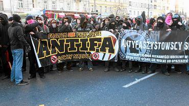 Pikieta przeciw Marszowi Niepodległości