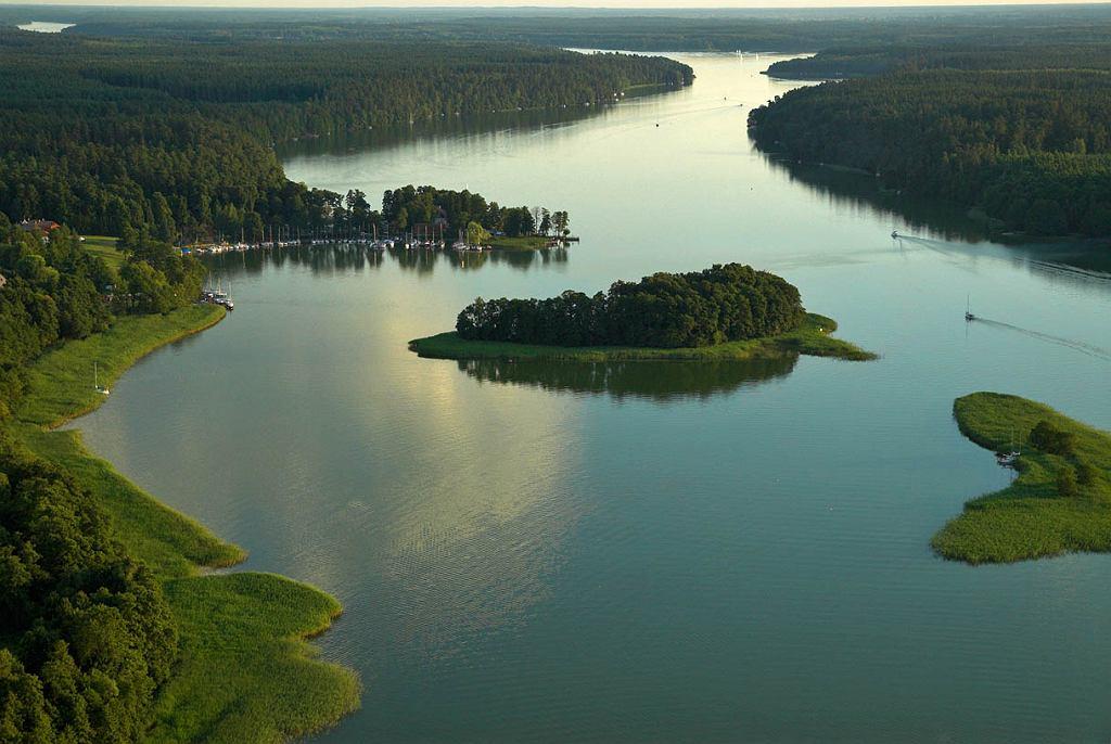 Jezioro Mikołajskie i Bełdany, Wielkie Jeziora Mazurskie, fot. Wojcik Wojciech