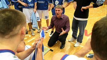 Grzegorz Sowiński (w środku)