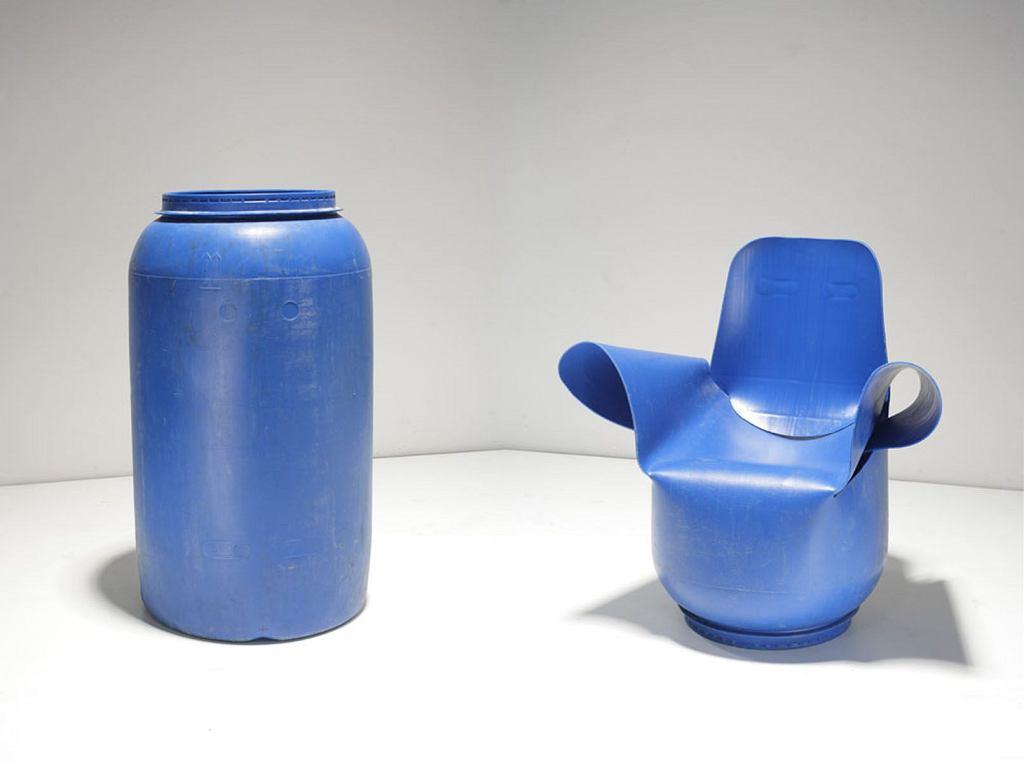 Fotel z beczki, autorstwa Roberta Pludry i Jakuba Sobiepanka - 1 nagroda w konkursie na Przetwór Roku 2010