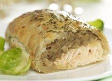 Kulebiak z łososiem i grzybami - ugotuj