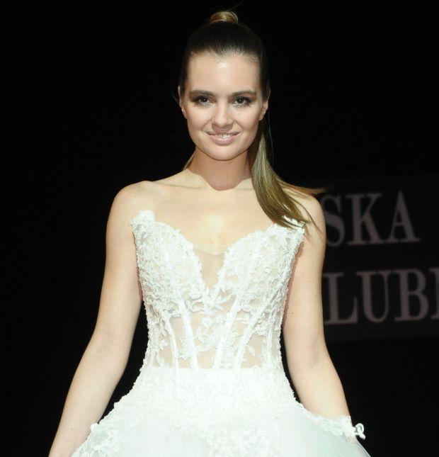 Maria Niklińska, pokaz mody, suknie ślubne