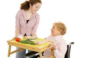 Jak żywić osobę starszą?