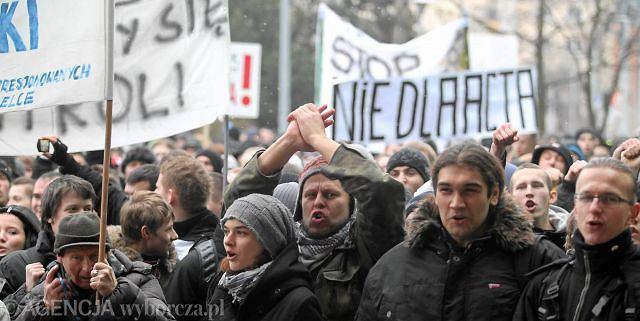 Przeciw podpisaniu przez polski rząd porozumienia ACTA - protest w Kielcach
