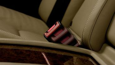 Nowe pasy bezpieczeństwa Mercedesa