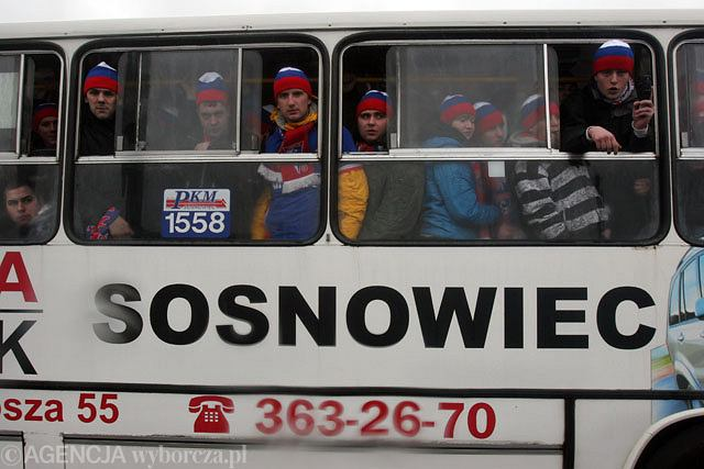 Kibice z Zabrza w autobusie PKM Sosnowiec jadą na WDŚ