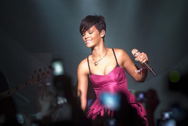 "03/26/2008 - Rihanna - Rihanna Performs ""A Girls Night Out in Support of Rihanna's Believe Foundation"" - March 26, 2008 - Vision Nightclub - Chicago, IL, USA - Keywords: Rihanna, A Girls Night Out, Rihanna's Believe Foundation, Escada Moon Sparkle, Island Def   Jam, Grammy Award Winner - False -  - Photo Credit: Adam Bielawski / PR Photos - Contact (1-866-551-7827)"