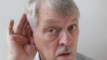 Głuchota najczęściej dotyka mężczyzn po 55 roku życia