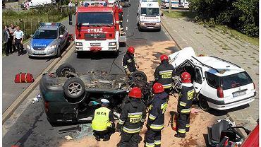 3 sierpnia 2011 r. akcja straży pożarnej po wypadku na skrócie z Ursynowa do Konstancina na ul. Podgrzybków i Rzekotki