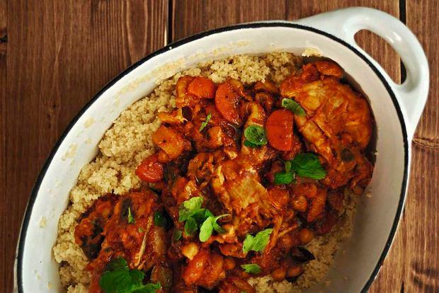 Jak zrobić porządny, dwudaniowy obiad dla dużej liczby osób i się nie zrujnować? Mamy dla was kilka zestawów (z deserami)