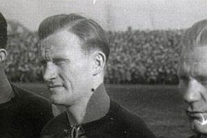 Członkowie legendarnego tercetu A-B-C patronami trybun na stadionie w Poznaniu