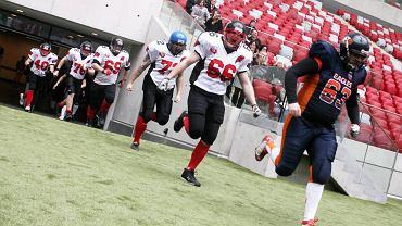 Pokazowy sparing Eagles ze Spartans na Stadionie Narodowym w marcu 2012 roku