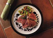 Polędwica wołowa z bobem i grzybami - ugotuj