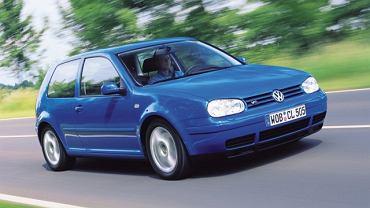 4) Volkswagen Golf hatchback 1.9 TDI 105 KM (763 sztuki), rok: 2005