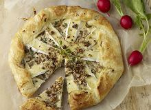 Tarta z camembertem, pieczarkami i orzechami - ugotuj