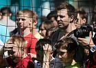 Puchar Euro 2012 w Krakowie: prezydent z trofeum, a anarchiści chcą chleba [ZDJĘCIA]