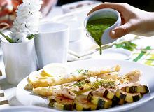 Biała ryba z zielonym sosem - ugotuj