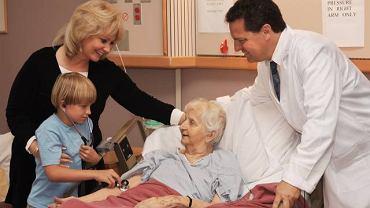Przed wizytą u chorego w szpitalu warto zapytać lekarza jak możemy przyspieszyć jego powrót do zdrowia